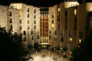 מלון ענבל תמונה מויקיפדיה